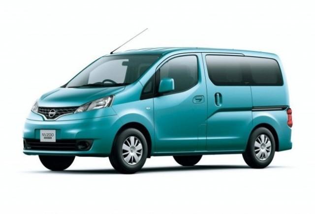 Nissan a dezvelit furgoneta NV200