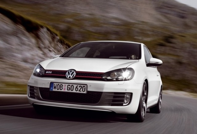 VW Golf GTI, in Romania de la 20.492 euro