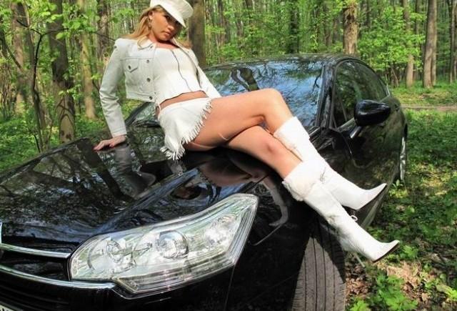 EXCLUSIV: Fetele de la masini.ro (1)