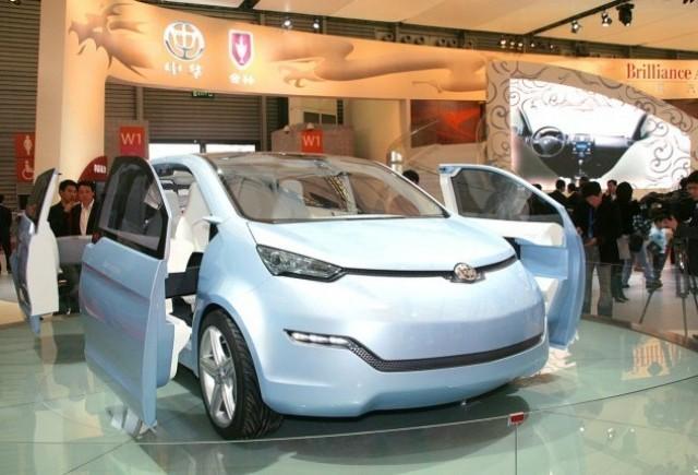 Brilliance a dezvelit un vehicul electric la Shanghai