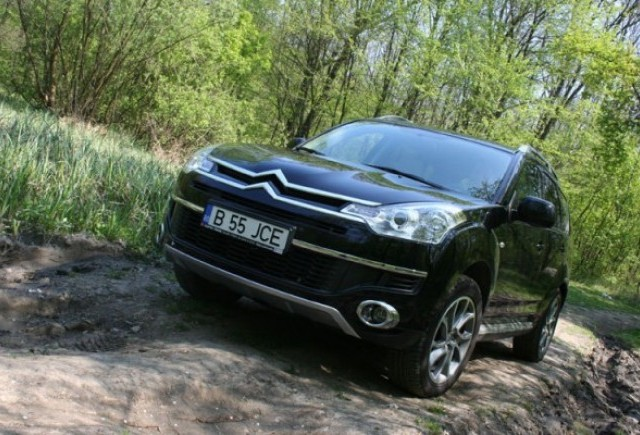 Am testat Citroen C-Crosser!