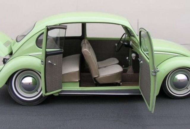 Un Volkswagen Beetle din 1965 modificat de vanzare pe eBay