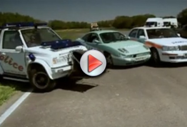 Video: Top Gear asambleaza o flota de masini de politie