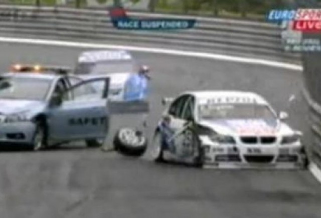 VIDEO: Accident cu safety-car-ul in WTCC