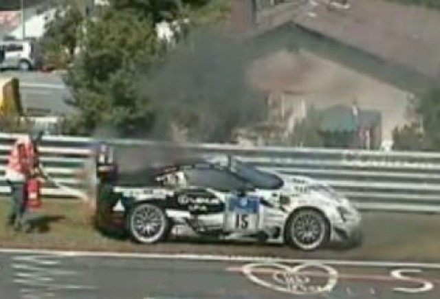 VIDEO: Lexus LF-A a luat foc in cursa de 24 h de la Nurburgring