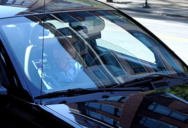 Studiu: Barbatii, mult mai predispusi sa adoarma la volan