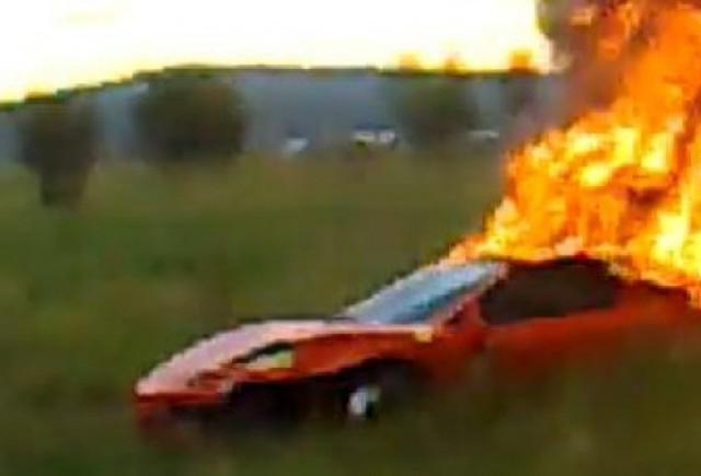 Un Ferrari F430 a luat foc langa Sibiu