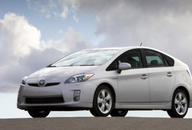 Toyota tine cu greu pasul cu cererea pentru Prius