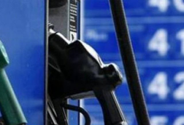 Petrom scumpeste benzina si motorina