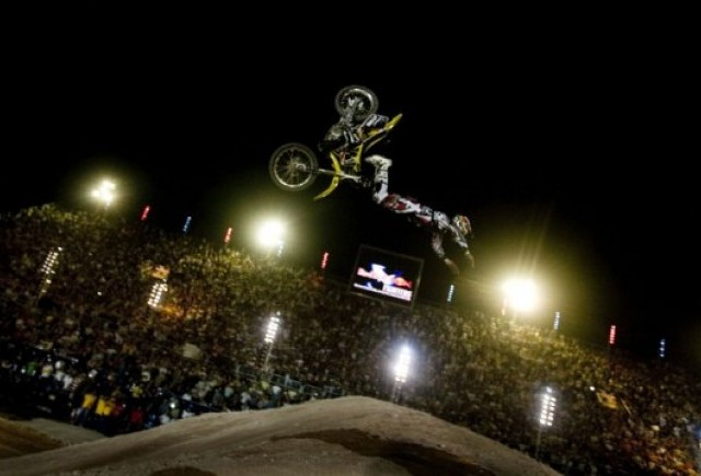 Red Bull X-Fighters Exhibition in Piata Constitutiei