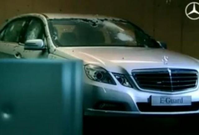 VIDEO: Focuri de arma asupra lui Mercedes E-Guard