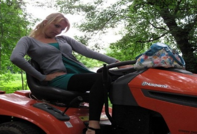 EXCLUSIV: Fetele de la masini.ro (7)