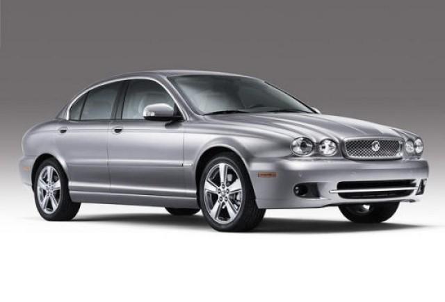 Jaguar Land Rover va concedia 300 de angajati si va sista productia modelului X-Type