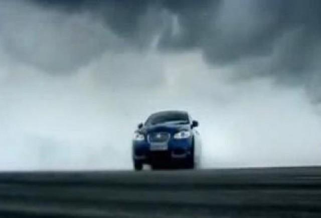 VIDEO: Top Gear compara BMW M5 cu Jaguar XFR