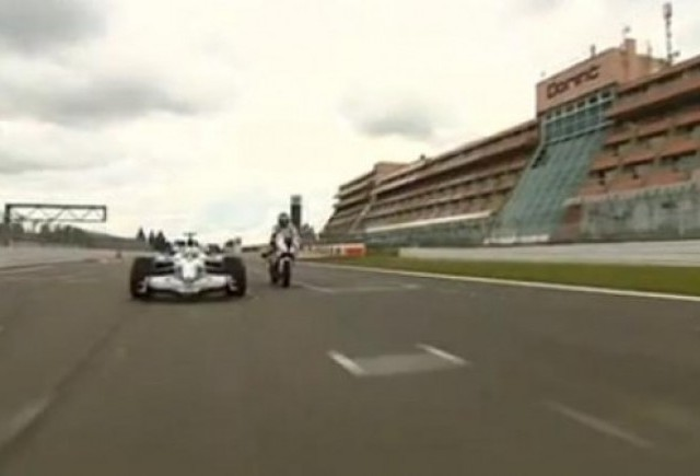 VIDEO: Nick Heidfeld se intrece cu un motociclist