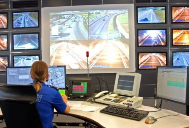 Bruxelles-ul vrea ca masinile din tarile UE sa aiba sistem automat de apel in caz de accident