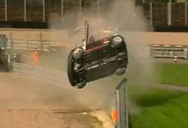 VIDEO: Accident cu Mini Cooper