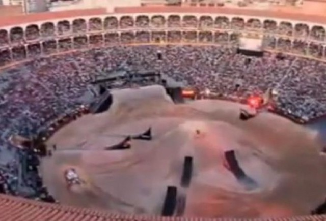 VIDEO: Touareg face show la Red Bull X Fighters