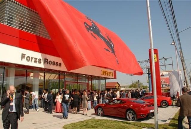 15 Ferrari-uri alocate pentru 2010, rezervate deja de romani