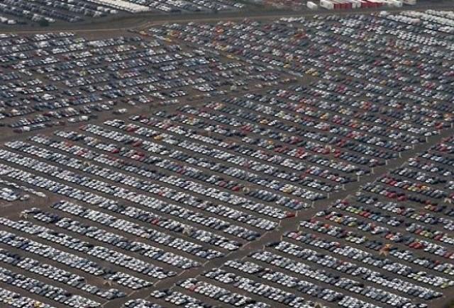 Vanzarile auto au scazut cu 54% in Romania in 2009