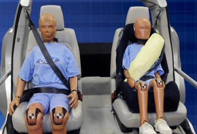 Ford a inventat centura de siguranta cu airbag