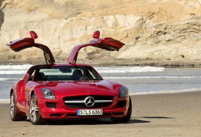 Mercedes SLS AMG costa 177.310 euro cu TVA in Germania