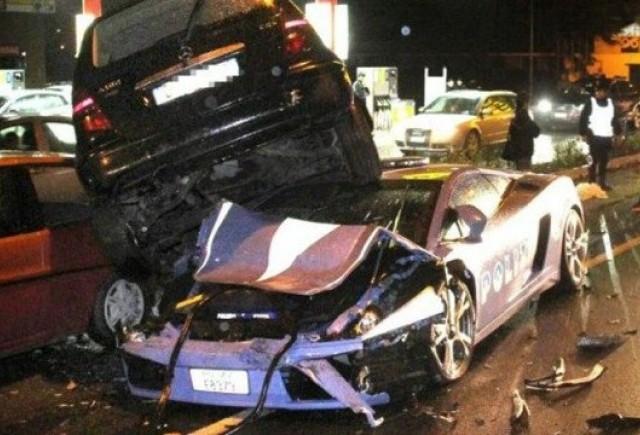 Politia italiana a distrus Lamborghini-ul din dotare