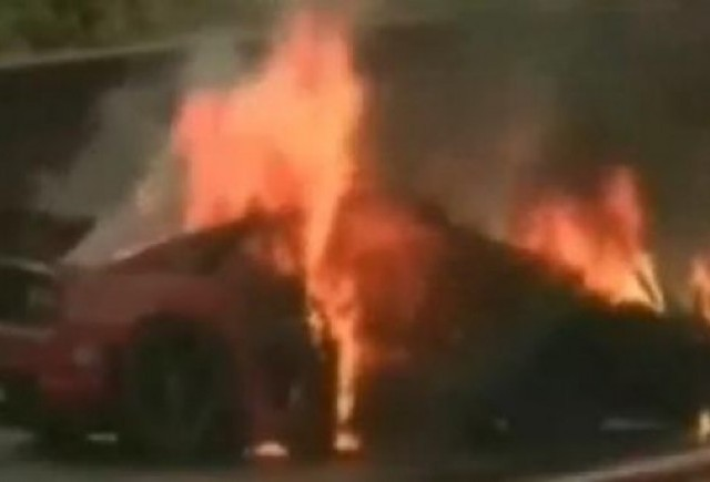 VIDEO: Accident tragic intre un Porsche 911 si un Ferrari 355
