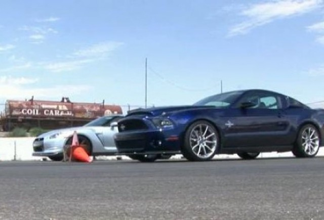 VIDEO: Confruntare comica intre Nissan GT-R si Mustang Shelby GT500