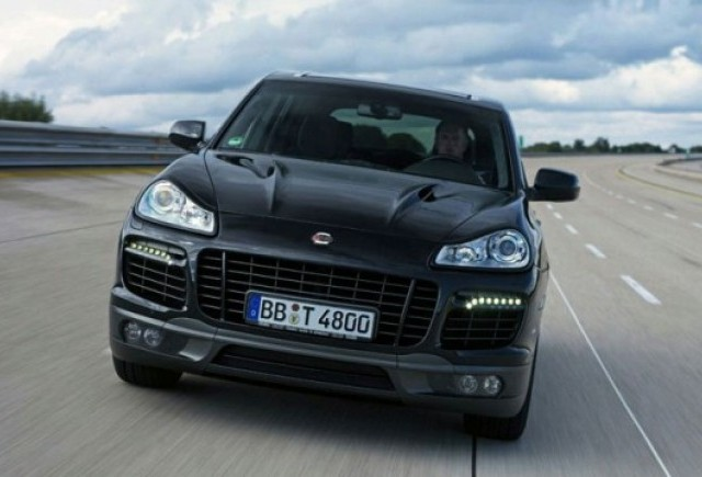 VIDEO: Cayenne face recordul de viteza la SUV-uri: 321,2km/h