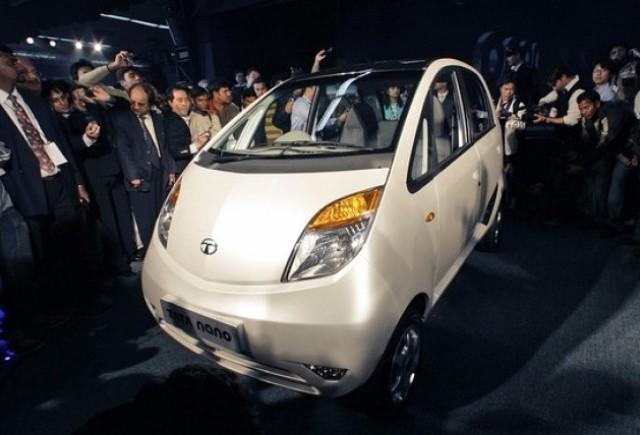 Marii constructori auto isi prezinta la salonul din India noile masini de mici dimensiuni