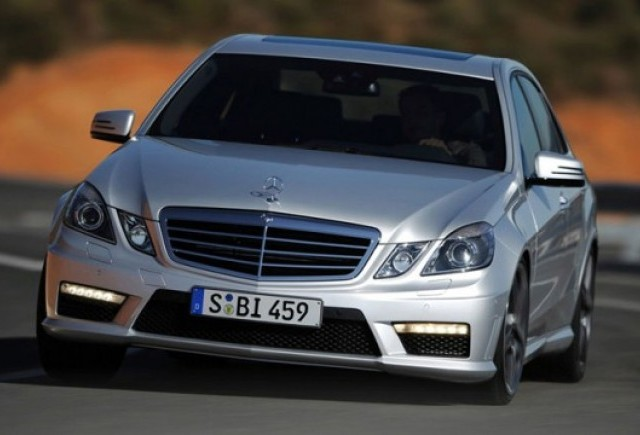 Modelele Mercedes vor fi capabile sa evite singure accidentele
