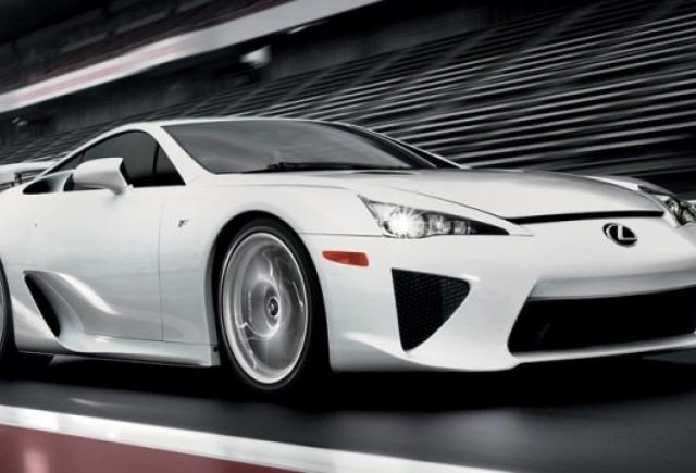 Peste 500 de comenzi pentru Lexus LF-A