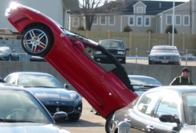 VIDEO: Cum NU se livreaza un Ferrari F430 Spyder