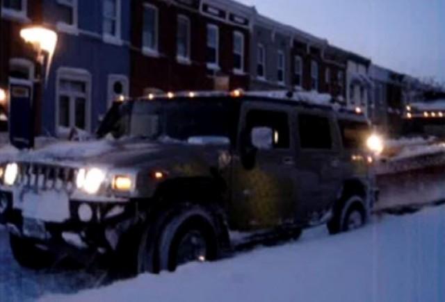 VIDEO: Utiliaj de deszapezire tractat de un Hummer