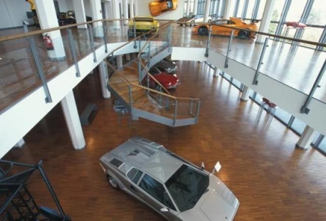 VIDEO: O incursiune in muzeul Lamborghini