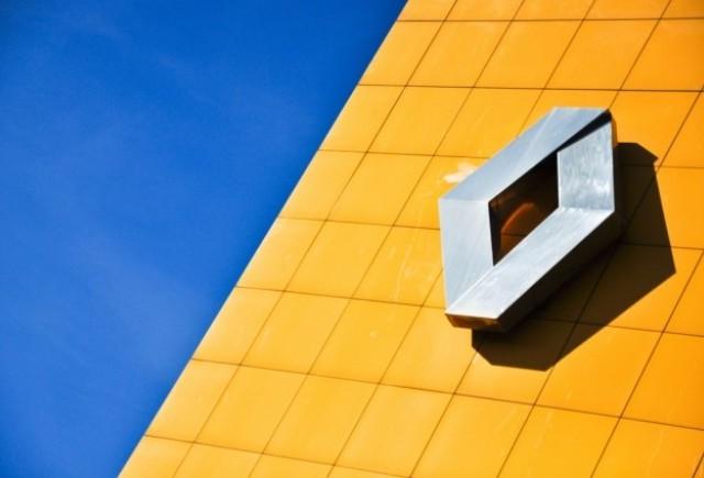 Renault studiaza posibilitatea de a-si vinde participatia in cadrul Volvo