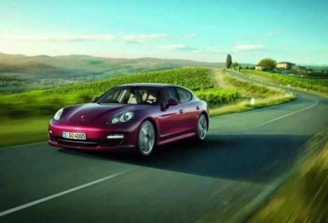 OFICIAL: Noul Porsche Panamera V6