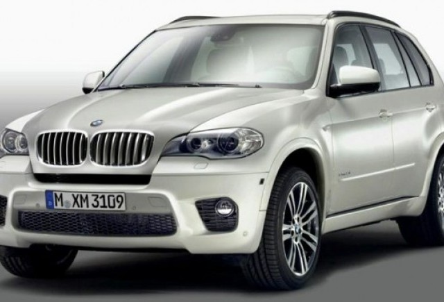 Noi imagini cu BMW X5 M Sport