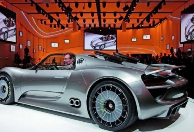 VIDEO: Porsche 918 Spyder Concept
