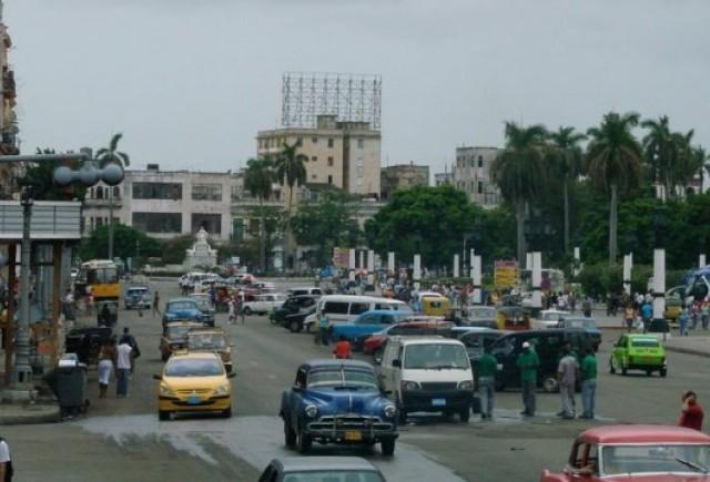 Cubanezii nu mai pot cumpara masini Mercedes sau BMW