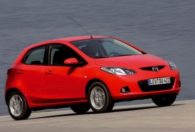 Mazda si kika ofera premiu un Mazda2