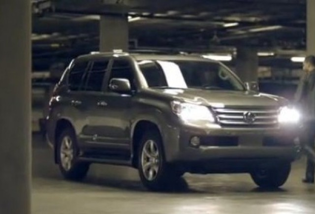 VIDEO: Lexus GX, erou de film