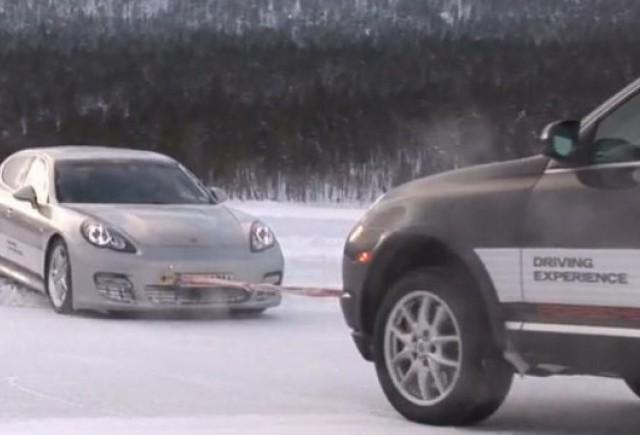 VIDEO: Porsche Panamera pe gheata