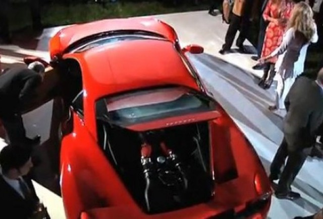 VIDEO: Ferrari 458 Italia va juca in Transformers 3