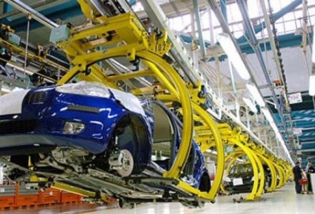 Fiat ar putea da afara 5.000 de angajati din Italia