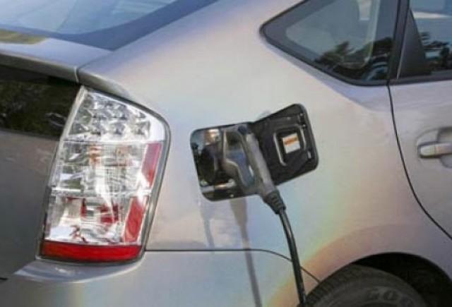 Mazda cumpara de la Toyota licenta tehnologiei hibride