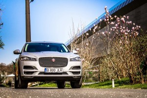 Jaguar F-PACE 2.0 i4D AWD Prestige