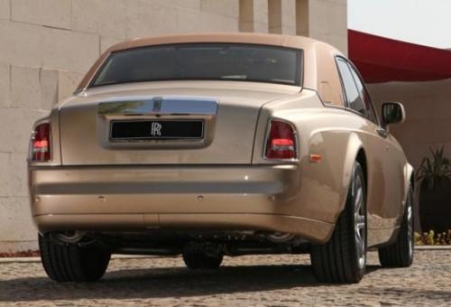 Rolls-Royce  a realizat doua editii speciale pentru arabi28799