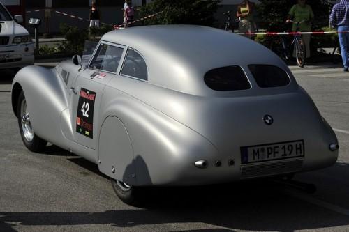 BMW prezinta un studiu retro28310
